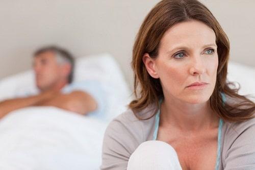 Tiểu không tự chủ ở phụ nữ có ảnh hưởng tới vấn đề quan hệ không? 1