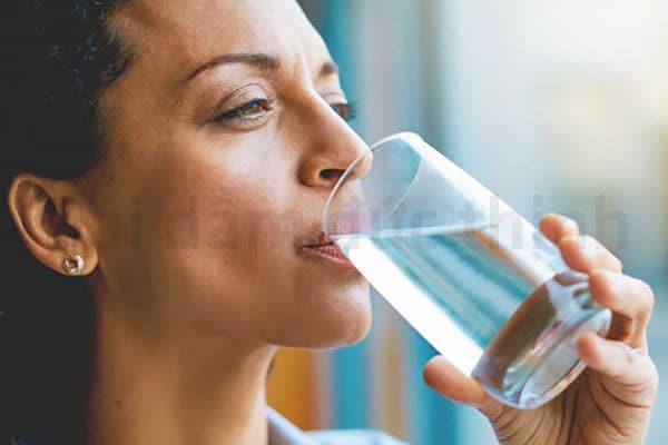 Uống nhiều nước, Tiểu buốt, Bệnh tiểu buốt, Tiểu buốt tiểu rắt, Bị tiểu buốt tiểu rắt khi mang thai, Tiểu buốt tiểu rắt ở phụ nữ, Nguyên nhân tiểu buốt tiểu rắt, Điều trị tiểu buốt tiểu rắt, Triệu chứng tiểu buốt tiểu rắt