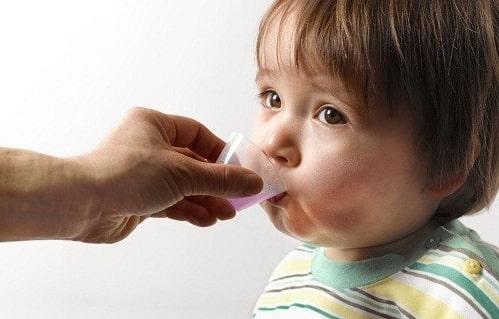 Có nên cho trẻ uống thuốc trị đái dầm không?