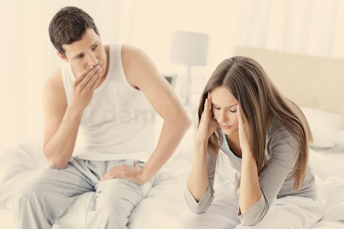 Bệnh lậu, tiểu buốt, tiểu buốt ra máu, tiểu buốt ra máu ở nữ giới, tiểu buốt ra máu đau bụng dưới ở nữ