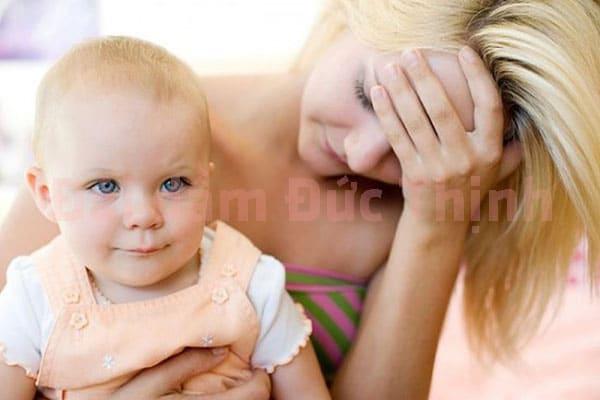 Tiểu không tự chủ sau sinh là bệnh gì