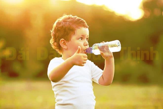 Uống nước vừa đủ, Tiểu không tự chủ, Bệnh tiểu không tự chủ, Bệnh tiểu không tự chủ ở trẻ em, Tiểu không tự chủ ở trẻ em