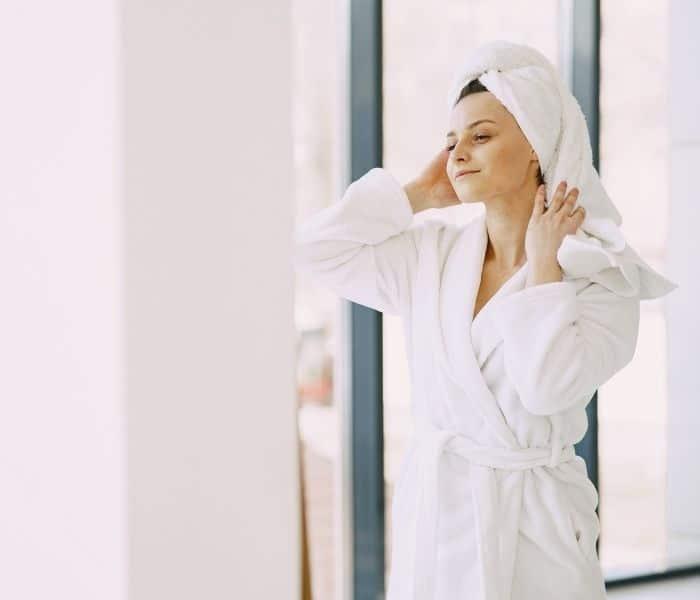 Vệ sinh thân thể, vùng kín hàng ngày sạch sẽ phòng ngừa nhiễm bệnh
