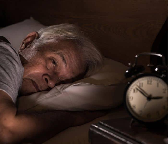 Tiểu đêm gây gián đoạn giấc ngủ, xáo trộn giờ giấc sinh hoạt