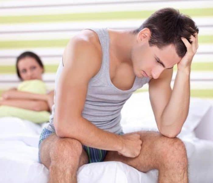 Tiểu đêm nhiều lần do thận yếu có thể làm giảm chức năng sinh lý, rối loạn cương dương, yếu sinh lý ở nam giới