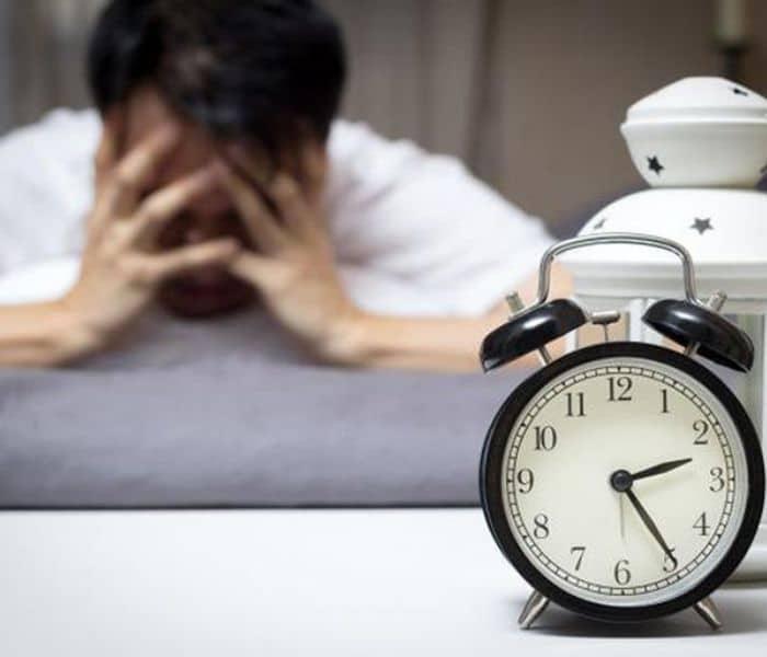 Tiểu đêm nhiều lần có thể bắt nguồn từ bệnh ở thận hoặc bàng quang