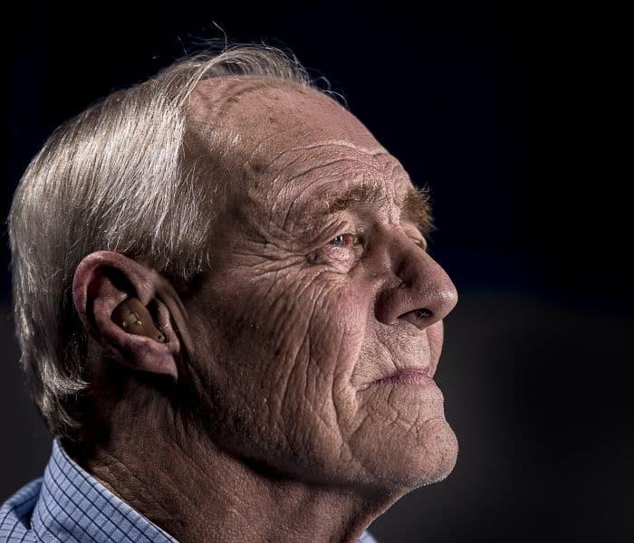 Các cơ quan trong cơ thể bị lão hóa do vấn đề tuổi tác, chức năng bàng quang suy yếu dẫn tới tiểu đêm