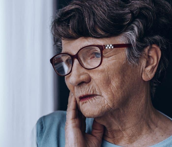 Càng cao tuổi các cơ quan càng suy yếu dễ dẫn tới chứng tiểu nhiều, tiểu đêm