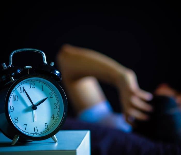 Tiểu đêm gây xáo trộn giấc ngủ, cuộc sống sinh hoạt đảo lộn