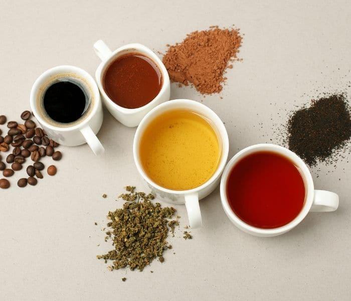 Không sử dụng rượu, bia, trà, cafe, soda,...vào buổi tối để cải thiện chứng tiểu đêm