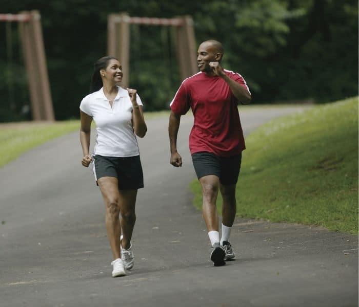 Rèn luyện sức khỏe bằng bài tập đi bộ, yoga, kegel nhẹ nhàng