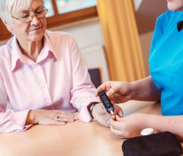 Chứng bệnh tiểu đường là một trong những nguyên nhân gây ra tiểu đêm