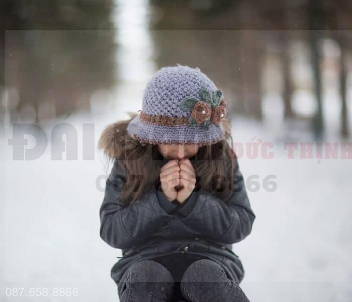 Mùa đông cơ thể đổ ít mồ hôi dẫn tới nhanh buồn tiểu, đi tiểu nhiều