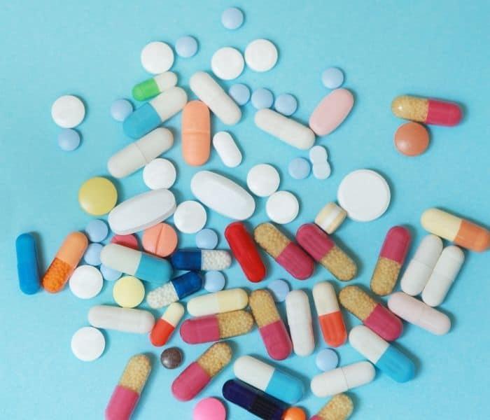 Thuốc tây điều trị són tiểu mang lại hiệu quả nhanh nhưng nhiều tác dụng phụ