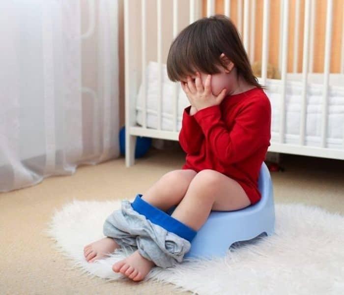 Trẻ 3 tuổi đi tiểu nhiều hơn 10 lần trong ngày là đi tiểu nhiều lần