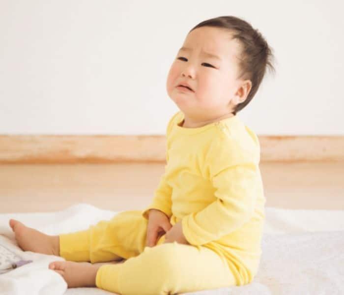 Nhiễm trùng đường tiết niệu khiến bé 3 tuổi đi tiểu nhiều, tiểu buốt, đau bụng, sốt