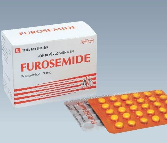 Thuốc lợi tiểu như thuốc điều trị huyết áp, điều trị bệnh tim,...làm tăng lượng nước tiểu gây lợi tiểu