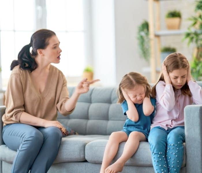 Tác động từ tâm lý cũng dễ khiến cho trẻ bị đái dầm, tiểu không tự chủ, són tiểu
