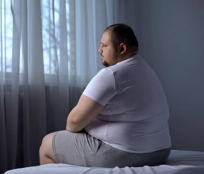 Béo phì, cân nặng tăng lên kéo theo bàng quang chịu nhiều áp lực hơn dẫn tới đi tiểu nhiều, tiểu không tự chủ.