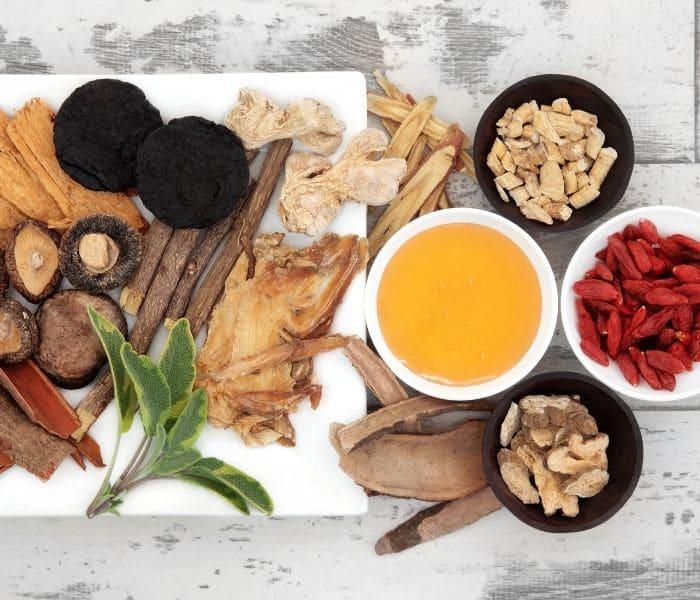 Không chỉ điều trị bí tiểu, bài thuốc Đông y có tác dụng bổ khí, điều hòa khí huyết, bồi bổ sức khỏe