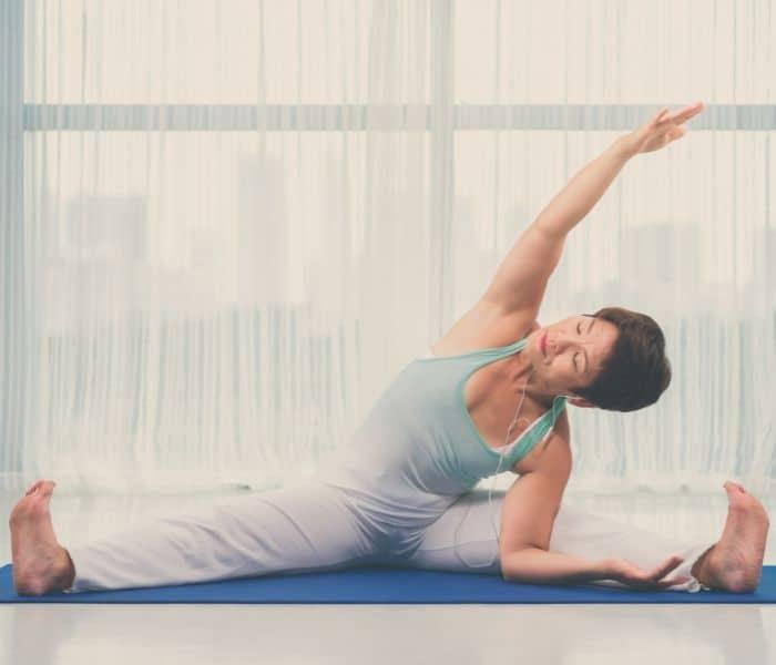 Rèn luyện thể dục nhẹ nhàng bằng bài tập yoga, kegel để tăng sức khỏe cơ bàng quang, cơ sàn chậu