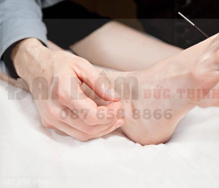 Một số huyệt đạo tác dụng lên bàng quang giúp điều trị các chứng rối loạn tiểu tiện hiệu quả