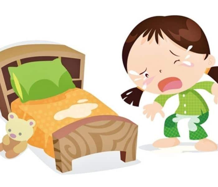 Đái dầm là hiện tượng trẻ đi tiểu không tự chủ trong lúc ngủ, xảy ra vào ban đêm hoặc buổi trưa
