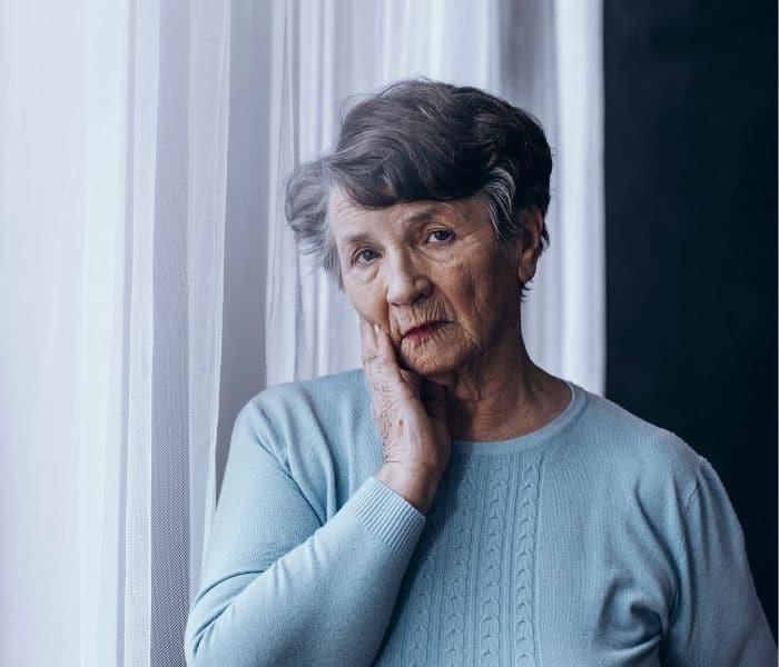 Khó tiểu ở nữ giới cũng có thể do thiếu hụt estrogen sau mãn kinh