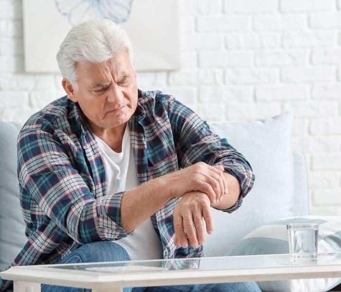 Hệ thần kinh thực vật bị rối loạn do chấn thương sọ não, thoái hóa, Parkinson có thể là nguyên nhân gây ra bí tiểu