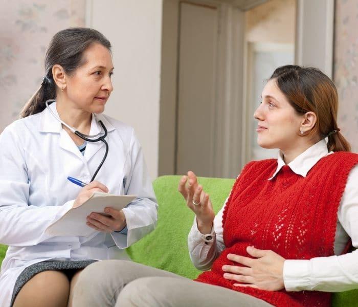 Khám lâm sàng hoặc siêu âm để chẩn đoán bệnh bí tiểu