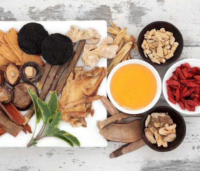 Bài thuốc Đông y sử dụng các vị thuốc thảo dược an toàn