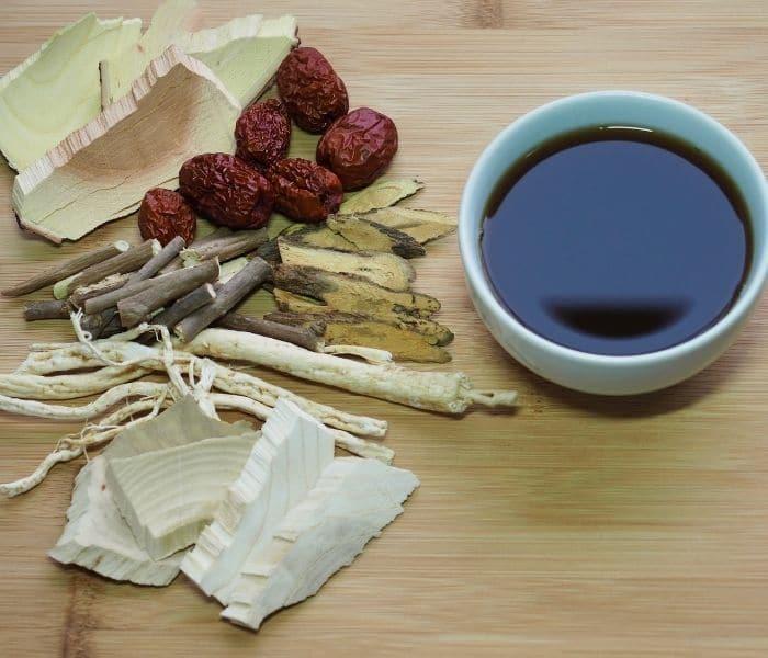 Những bài thuốc Đông y có tác dụng bồi bổ can thận, bổ khí, lưu thông khí huyết