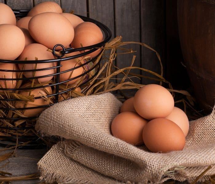 Trứng gà rất tốt cho chứng thận hư, kinh nguyệt không đều ở phụ nữ