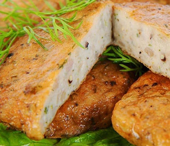 Các loại cá béo gồm các hồi, cá thu, cá ngừ, cá bơn là những món ăn bổ thận cho nam rất tốt